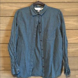 Women's classic button up collared casual shirt